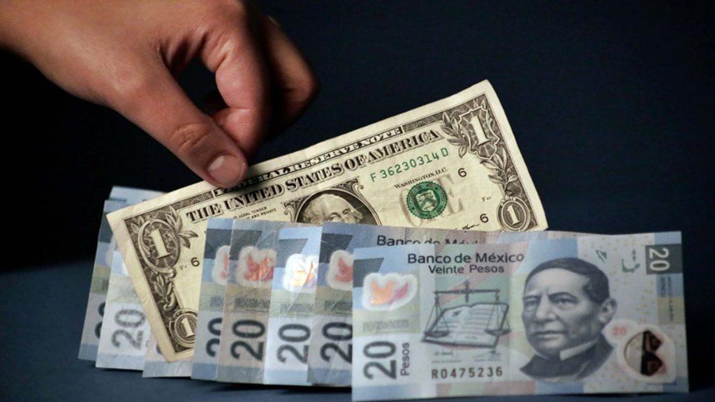 Peso Mexicano Cede Terreno Ante El Dólar Americano Al Cotiz Este Ultimo En 18 95