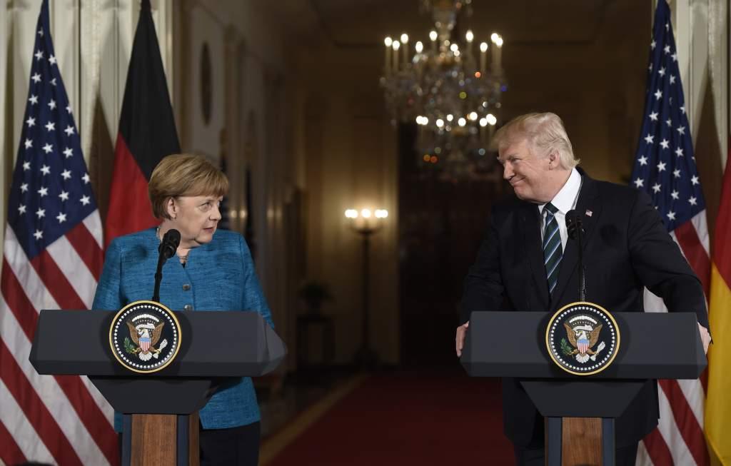 """Alemania debe """"grandes sumas de dinero"""