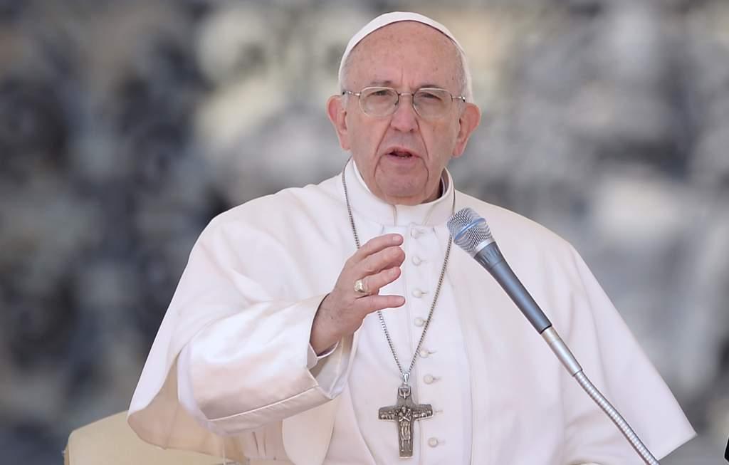 Papa Francisco llama a preservar el medioambiente