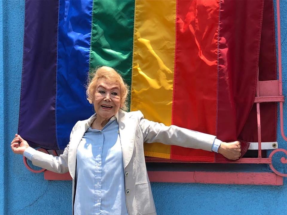 adultos mayores de la comunidad LGBTIQ