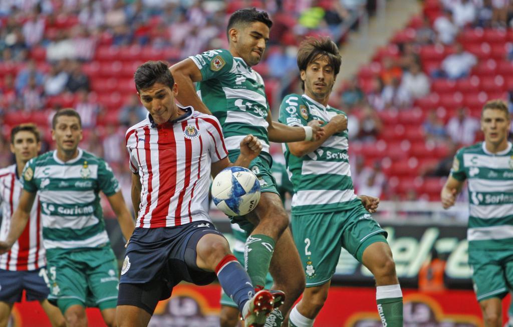 Chivas vuelve a perder en casa